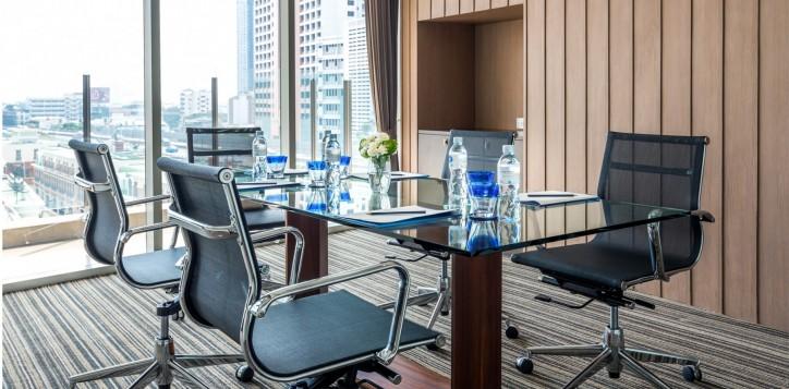 novotel-bangkok-fenix-silom-meeting-_-event-board-room-2