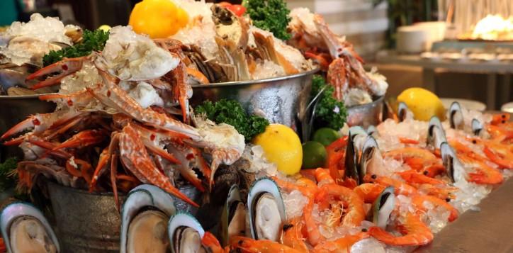novotel-bangkok-fenix-silom-special-offer-f_b-crush-on-seafood-2