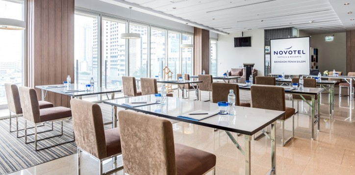 novotel-bangkok-fenix-silom-special-offer-meeting-_-event-class-room