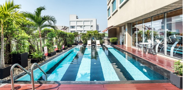 novotel-bangkok-fenix-silom-swimming-pool-001