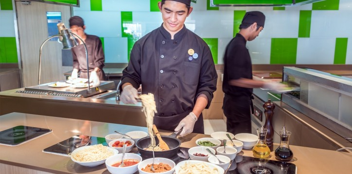 novotel-bangkok-fenix-silom-the-square-open-kitchen-2