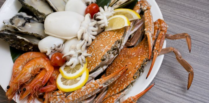 whack-a-crab-dinner-buffet-novotel-bangkok-silom-3-2