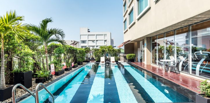 novotel-bangkok-fenix-silom-swimming-pool-2