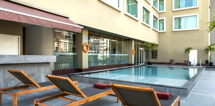 rs-swimming-pool-novotel-silom_008-2-2