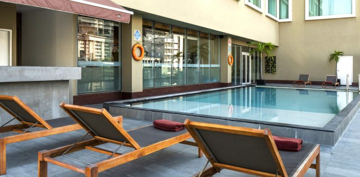 rs-swimming-pool-novotel-silom_008-2-4