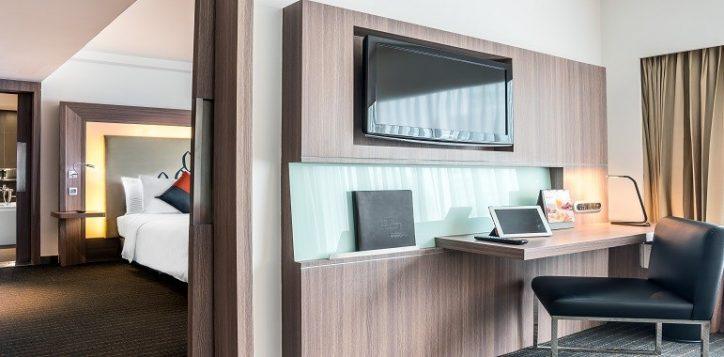 novotel-bangkok-fenix-silom-accommodation-suite-resized-2