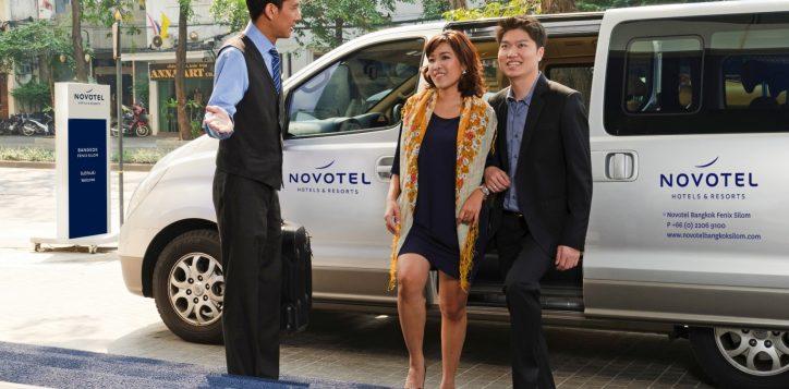 novotel-bangkok-fenix-silom-free-service-shuttle-van-2