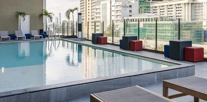novotel-bangkok-fenix-silom-swimming-pool-4-2